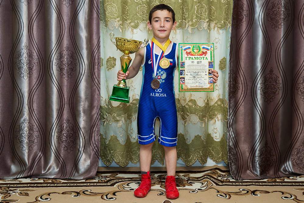Сильнее всех: для чего мальчишка из Ингушетии отжался 4445 раз?