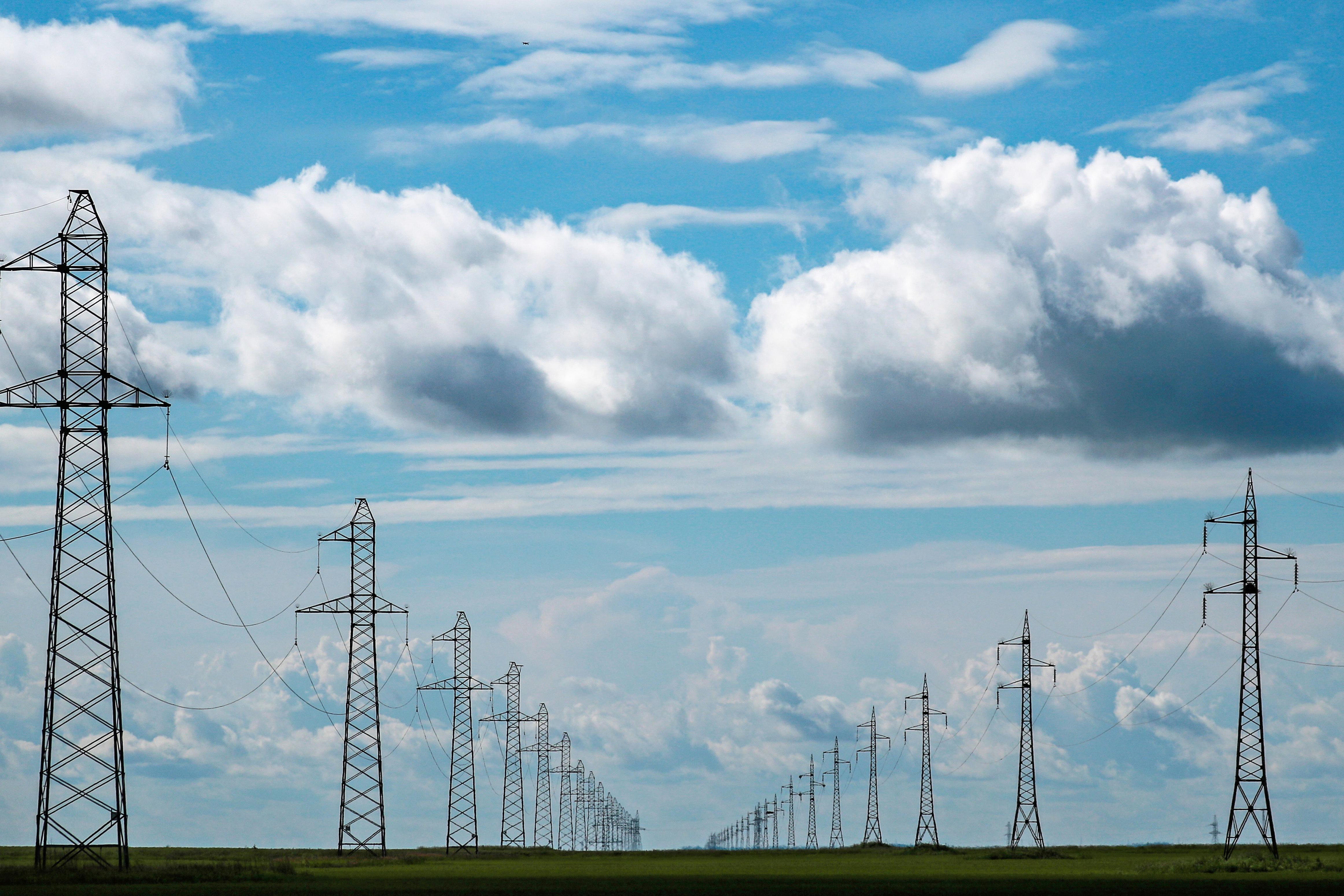 Тысяча специалистов займется техническим аудитом энергосетей Дагестана
