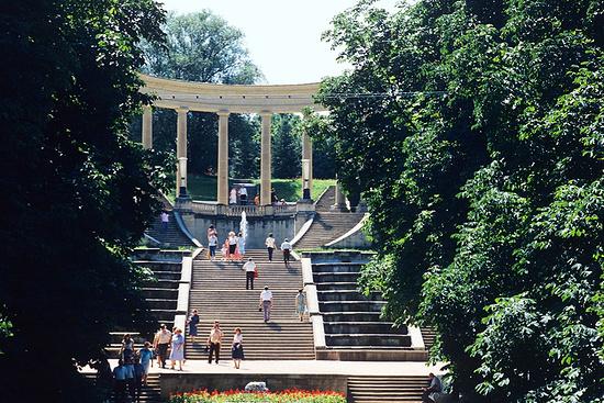 Губернатор Ставрополья поручил разобраться в ситуации с разрушением Каскадной лестницы в Кисловодске