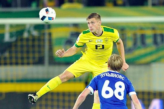 Защитник Александр Жиров может оказаться в«Томи»
