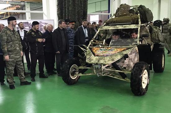 Вучениях вГудермесе испытали боевые багги «Чаборз»